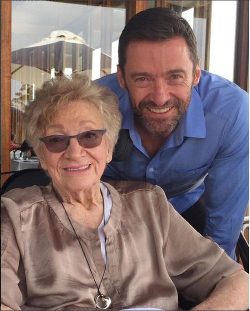 El actor interpretó el tema &#39Quiet Please, There&#39s a Lady on Stage&#39 en el funeral de la madre de su mujer celebrado este jueves en Australia.