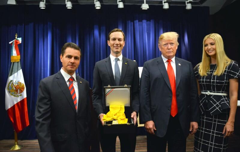 Resultado de imagen para Enrique Peña Nieto entrega Orden del Águila Azteca a Jared Kushner