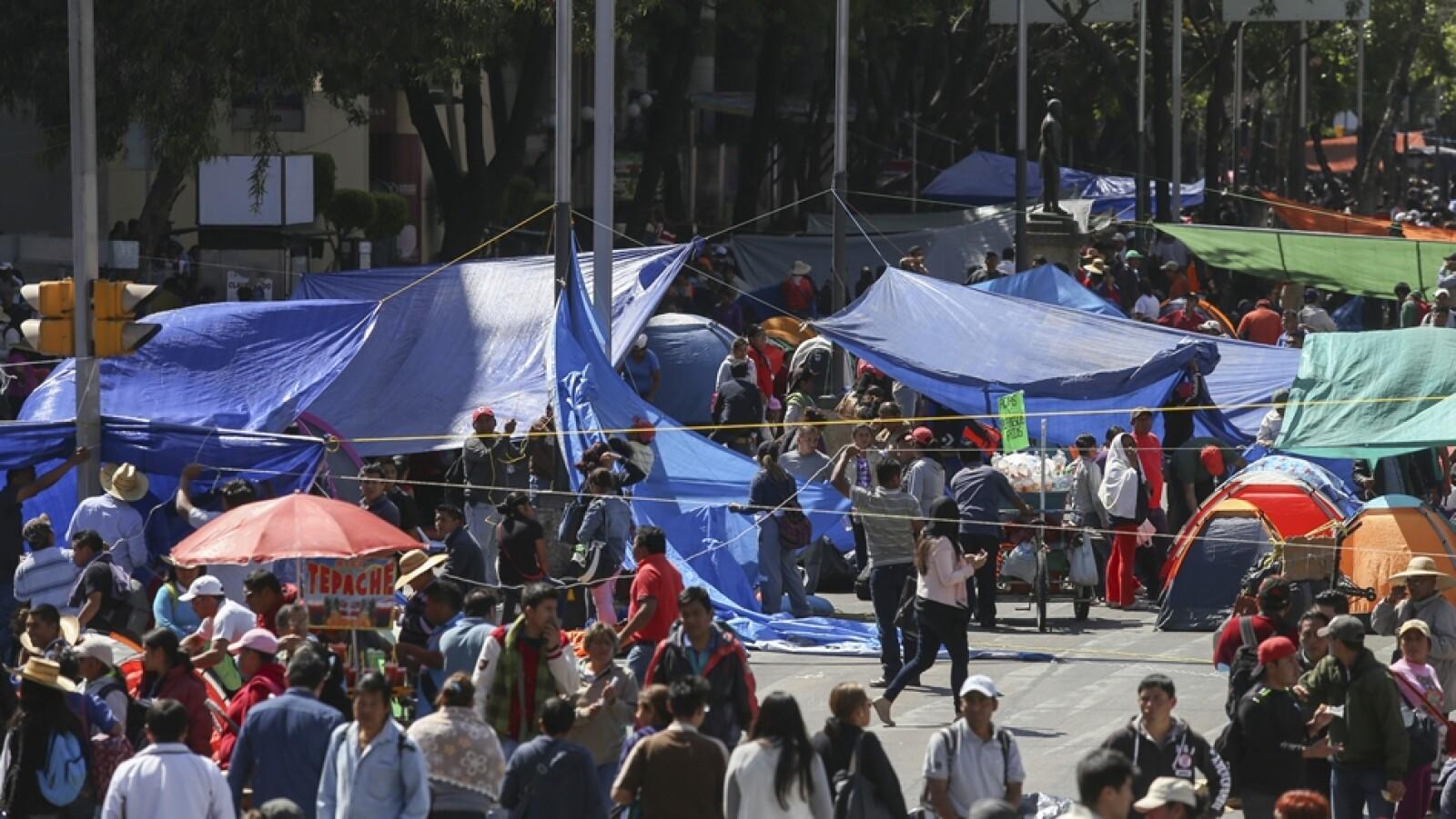 plantón CNTE Reforma 3