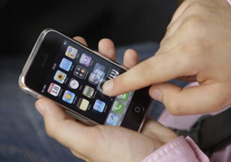 Las cifras de Munster sugieren que entre el iPhone, iPad y iPod touch se descargan más de 16.6 millones de aplicaciones al día. (Foto: AP)