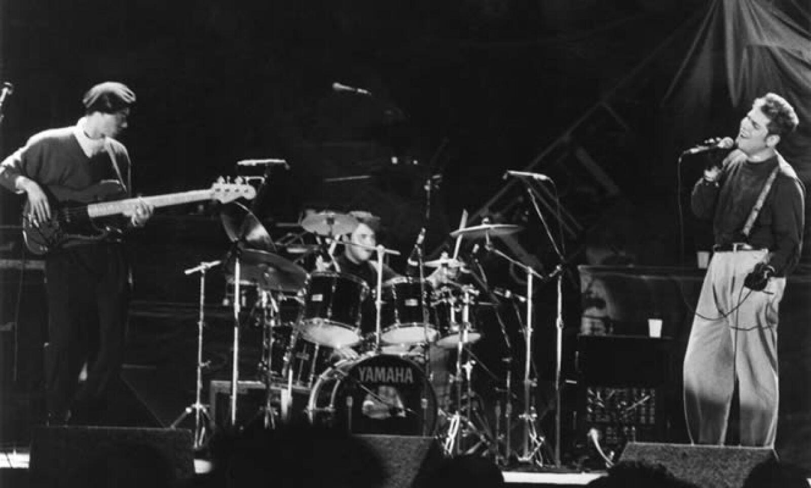 La banda australiana INXS fue el padrino de lujo y la prueba de fuego para que OCESA diera la bienvenida a la industria del entretenimiento en el país.
