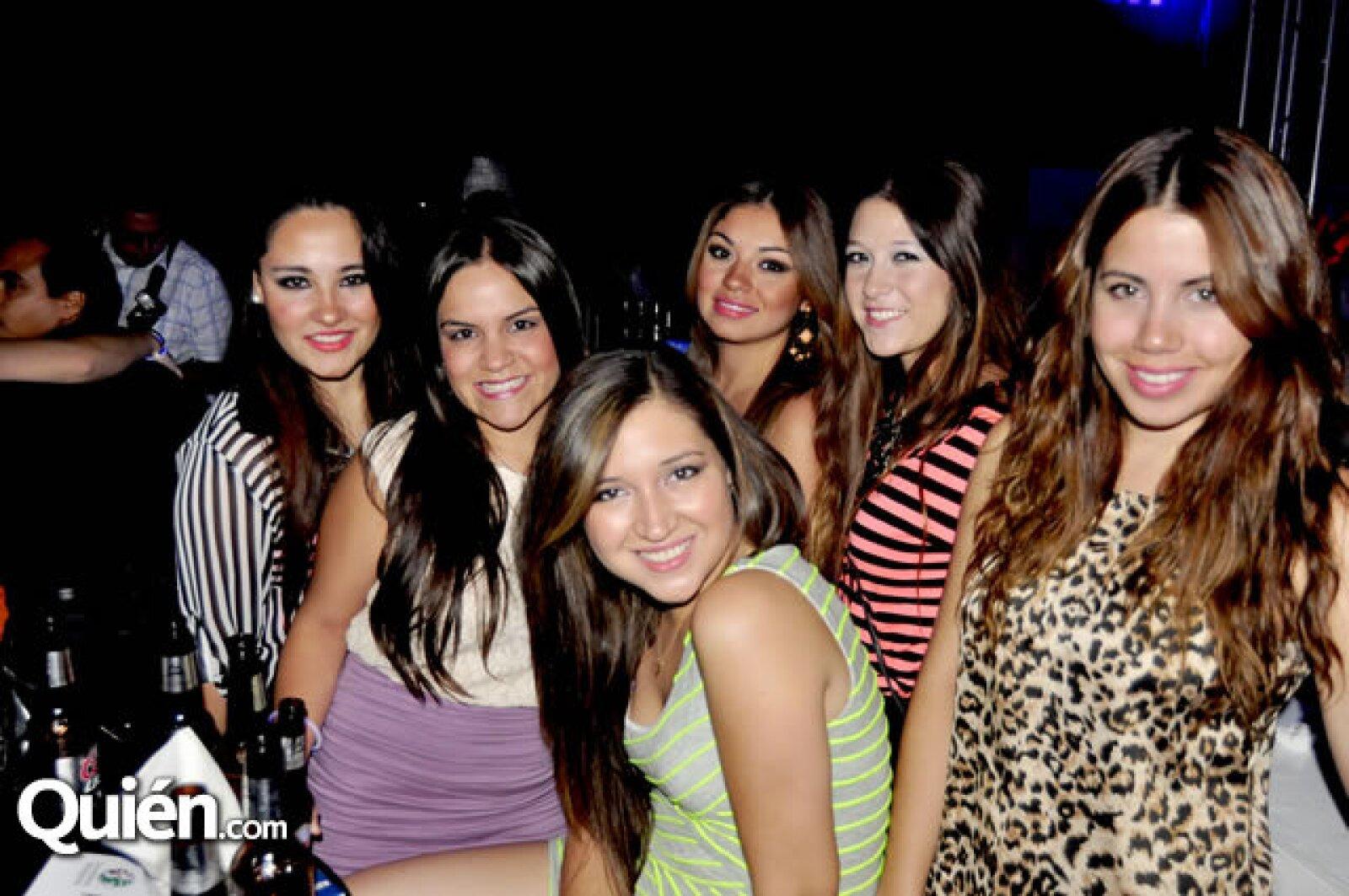 Mayela Lozano, Sara López, Eva Lozano, Déborah Espinoza, Viviana Reynoso y Valeria Villarreal