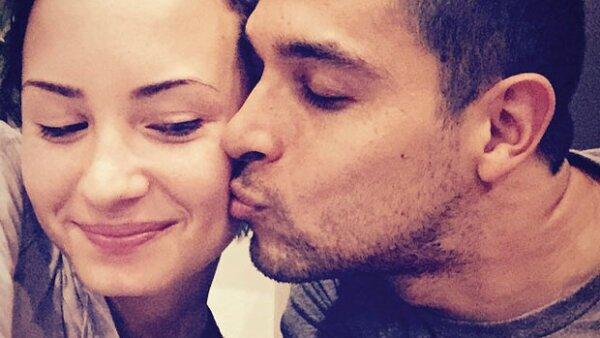 La pareja intenta mantener su relación low profile, pero hace unas semanas, Demi mostró cuánto extrañaba a su novio, quien la ha ayudado a sobrellevar sus problemas.