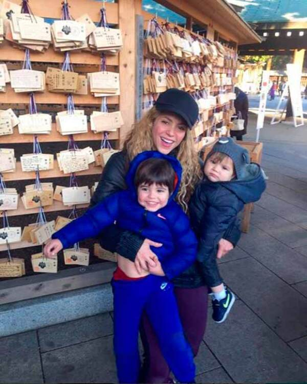 Shakira encanta a sus fans cuando publica fotos de sus hijos.