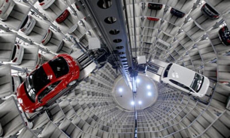 VW ya es campeón mundial en términos de su balance general, con una ganancia operativa de casi 15,000 millones de dólares el año pasado. (Foto: AP)