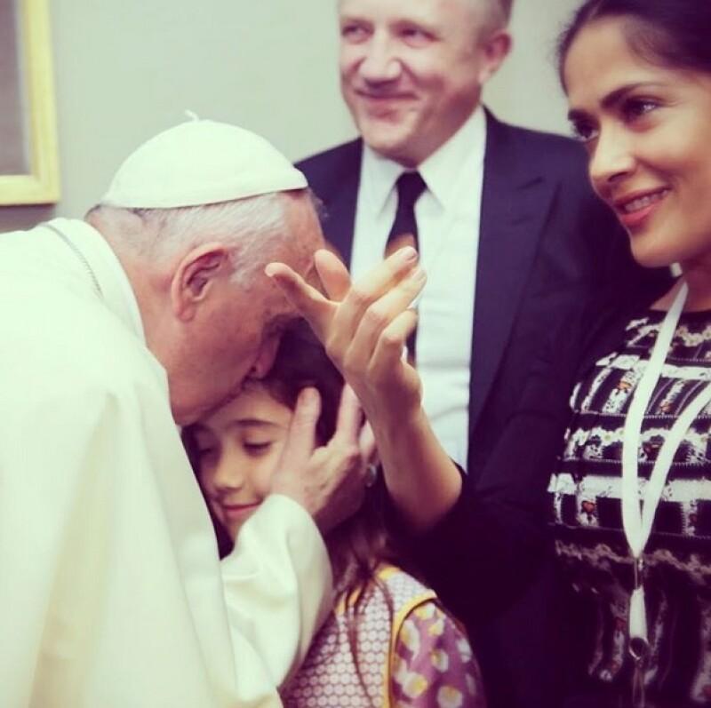 La actriz fue recibida por el Papa Francisco horas después de haber posado junto a Susan Sarandon en una imagen que destacaba un revelador escote.