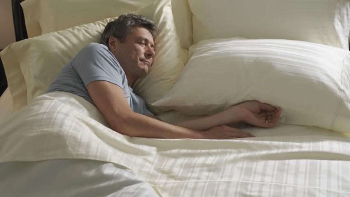 La falta de sueño profundo contribuye a la alta presión..