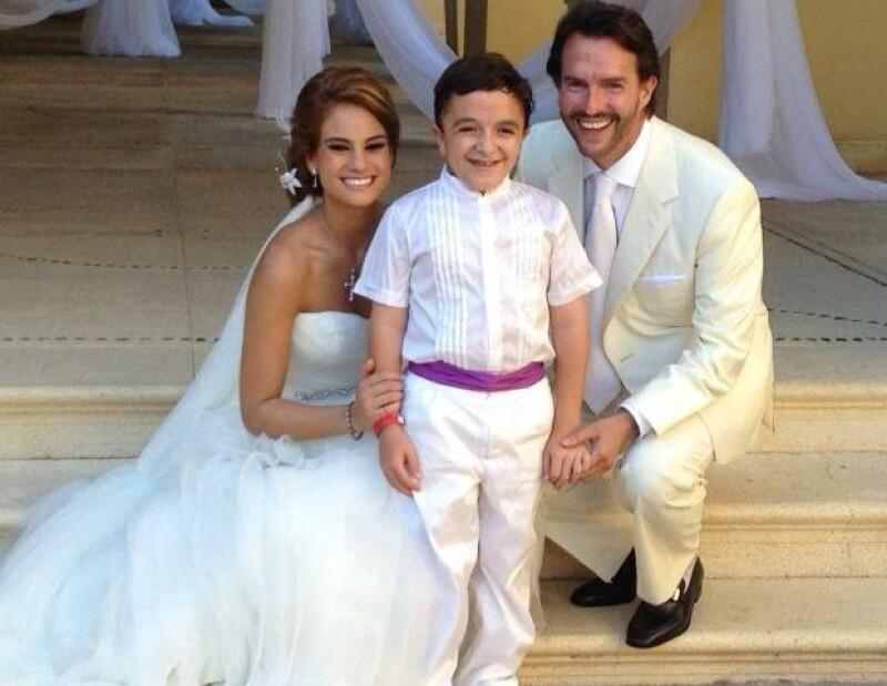 Fernando Landeros y Paola Albarrán unieron sus vidas en Acapulco.