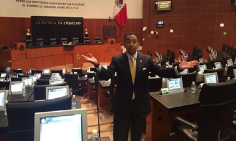 La discusión se dará sobre el documento que entregó el senador Lozano. (Foto: Tomada de @FYunesMarquez)