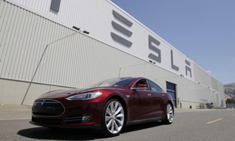 Los autos solamente eléctricos representan sólo el 0.3% de todos los autos en las calles. (Foto: AP)