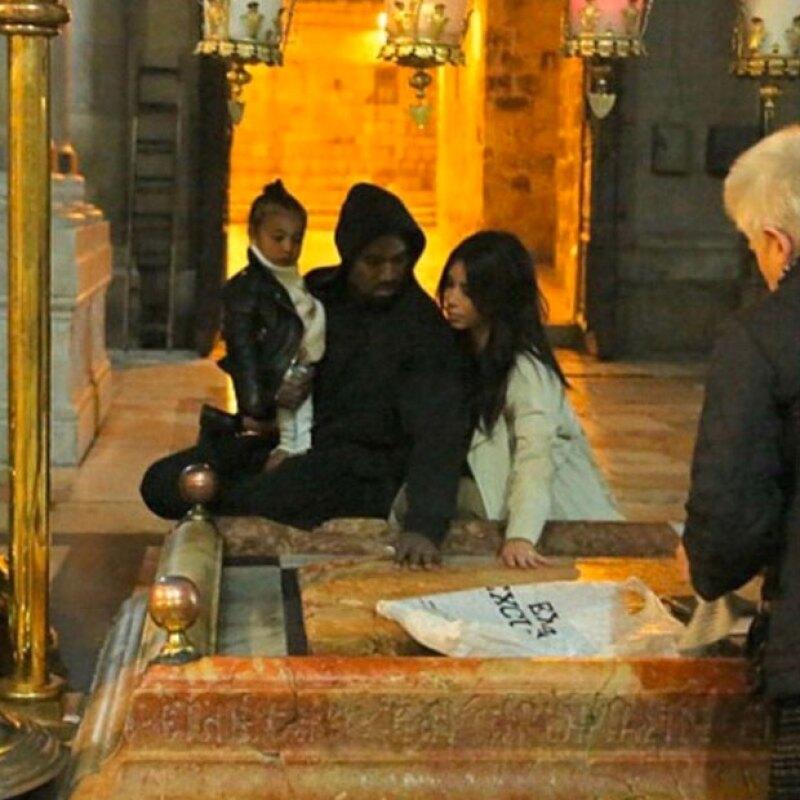 Además, la familia pudo visitar lugares importantes en la historia cristiana.