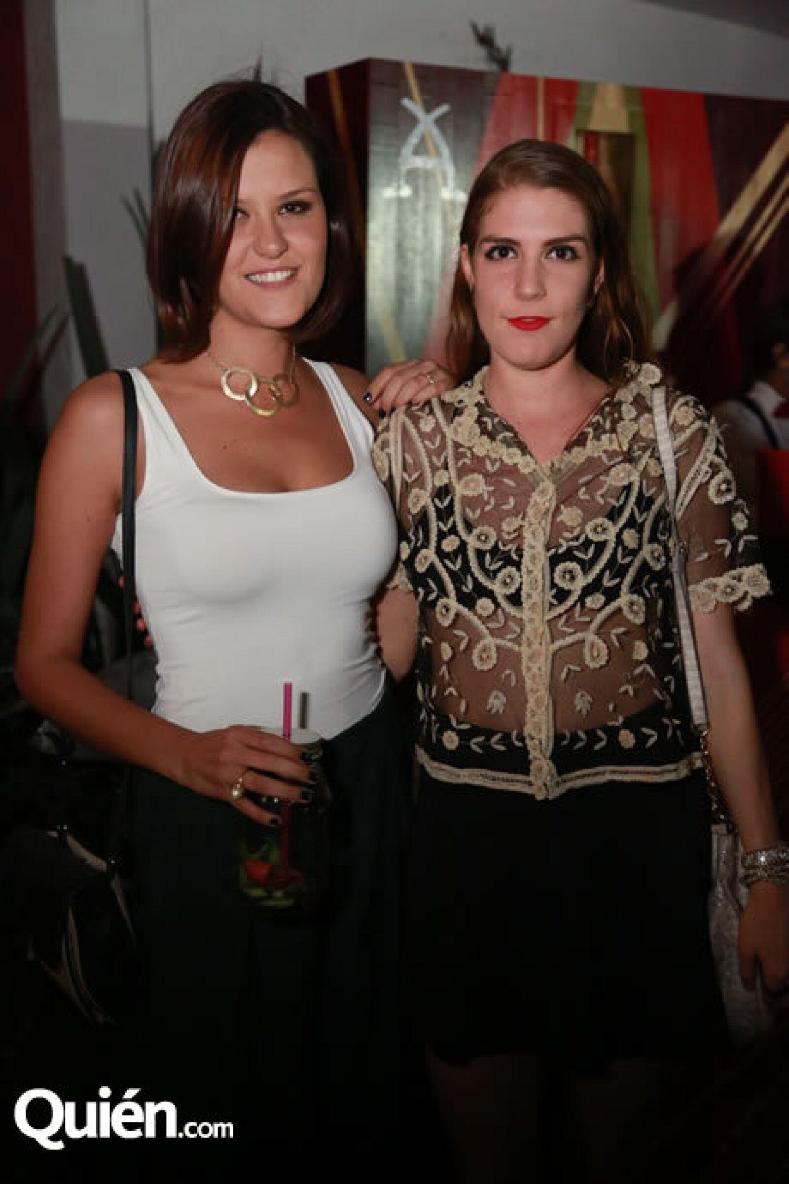 Julia y Pastora Camarena