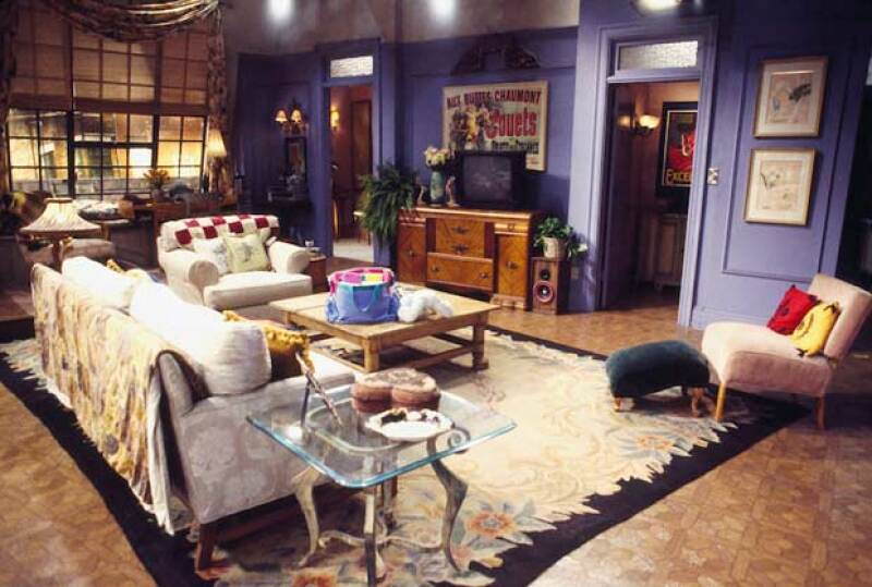 Descubre lo que en realidad tendrías que pagar para vivir en departamento como los de Friends, Sex & the City o casas como la de Gilmore Girls.