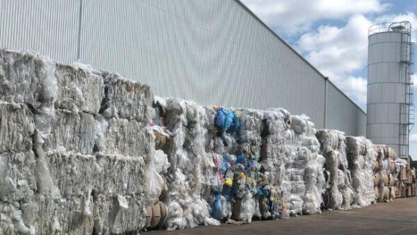 bolsas de plástico en pacas