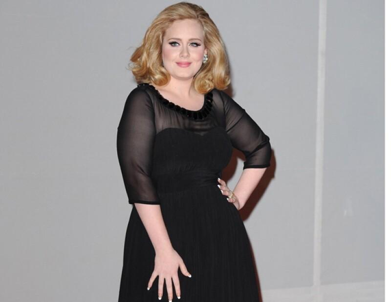 La cantante británica olvidó algunas letras de sus canciones en sus primeros conciertos; estuvo enamorada de un chico bisexual.