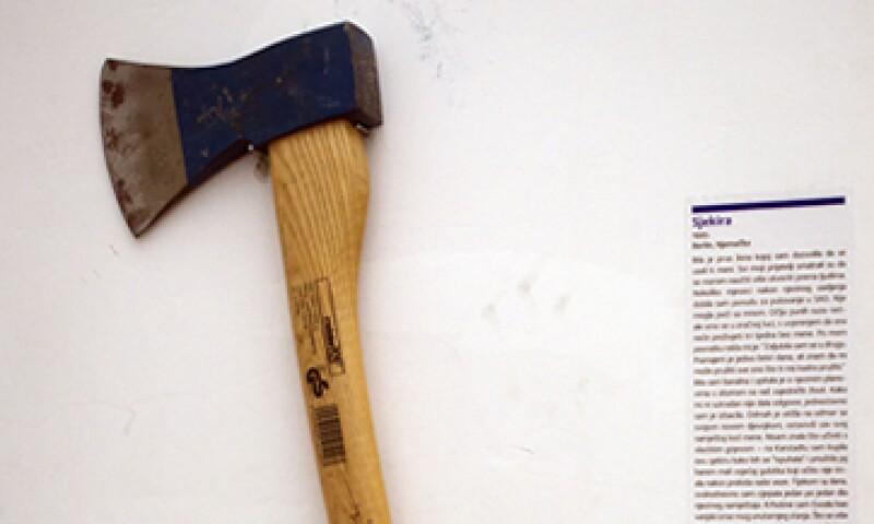 Proveniente de Berlín, el hacha fue usada por una mujer para romper los muebles que su novia había dejado tras marcharse. (Foto: AP)