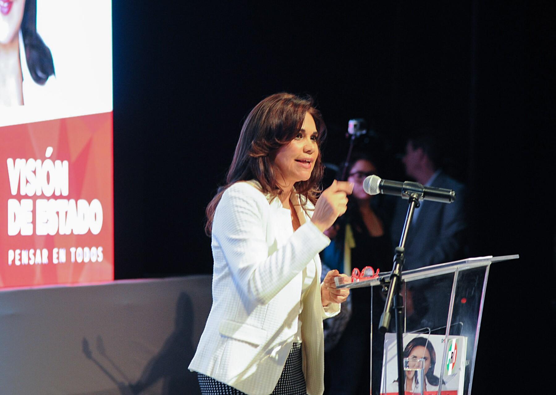 La candidata del PRI a gobernadora de Puebla, Blanca Alcalá, destaca entre sus prioridades los problemas de inseguridad.