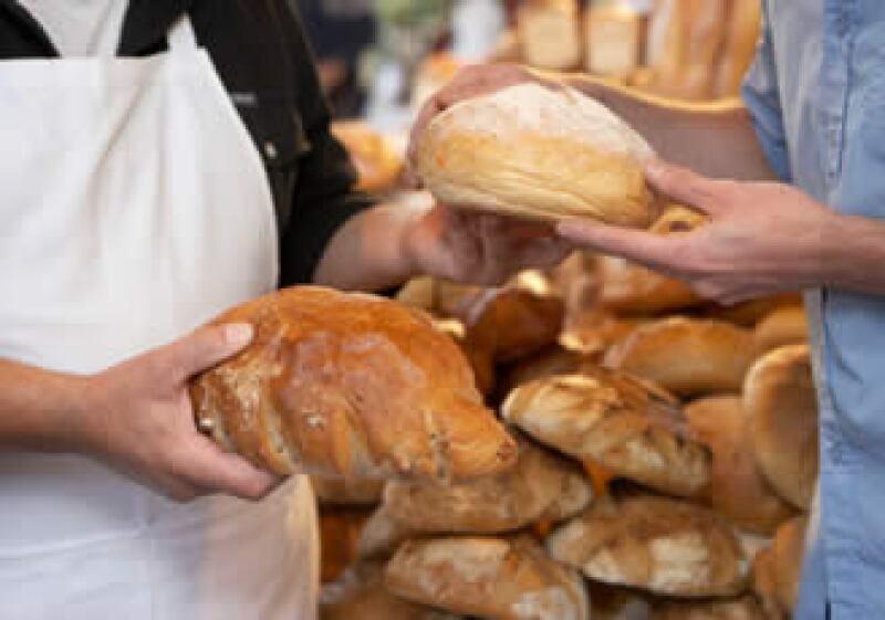 Los consumidores aumentaron su nivel de confianza el mes pasado pese al alza en impuestos. (Foto: Jupiter Images)
