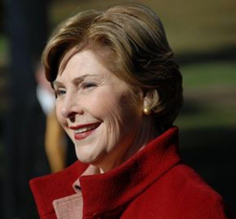 La primera dama de Estados Unidos llegó a un acuerdo para publicar sus memorias.