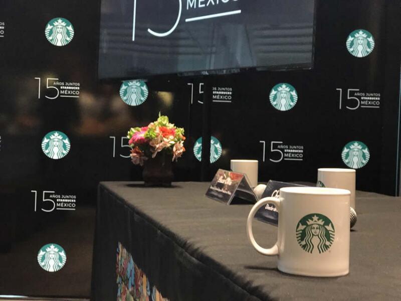 Starbucks, de fiesta.