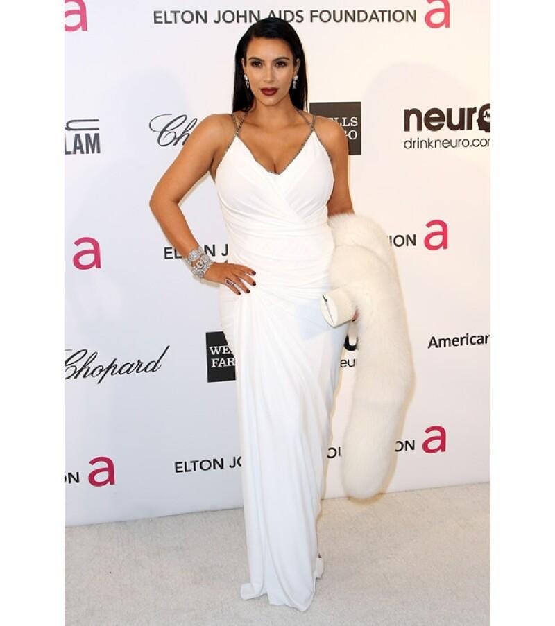 Kim Kardashian acudió a la fiesta de Elton, sin embargo en Twitter comentó que se fue temprano.