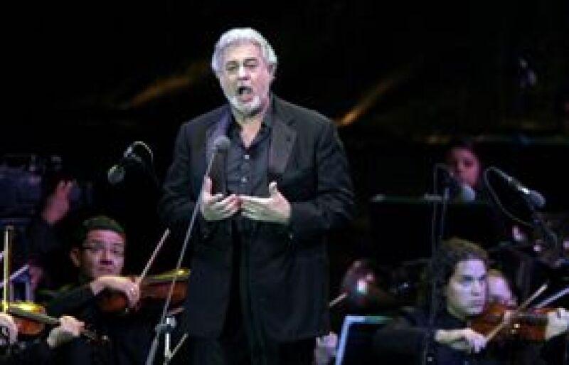 El tenor español reapareció al final del primer acto en una recreación de la última escena de Parsifal de Wagner, una representación de 1903 del templo del Santo Grial.