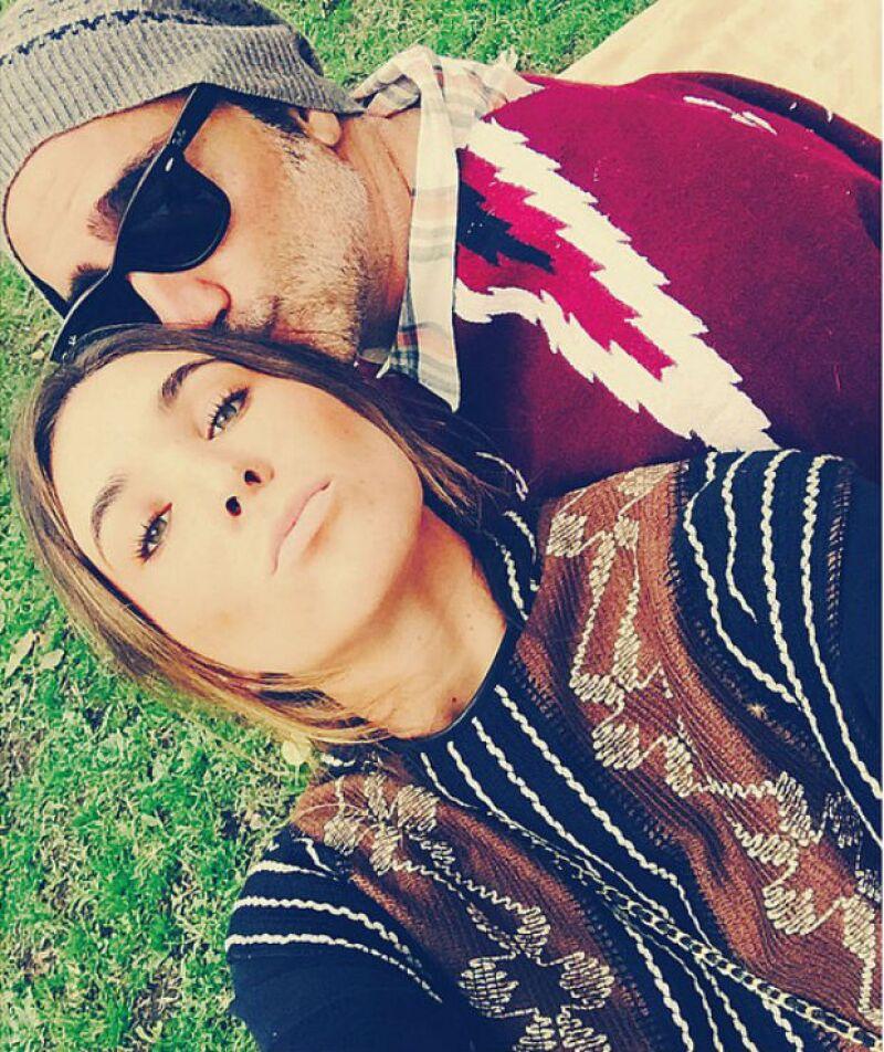 Karla ha dado la vuelta al mundo junto a su guapo novio. Ambos siempre lucen muy enamorados.