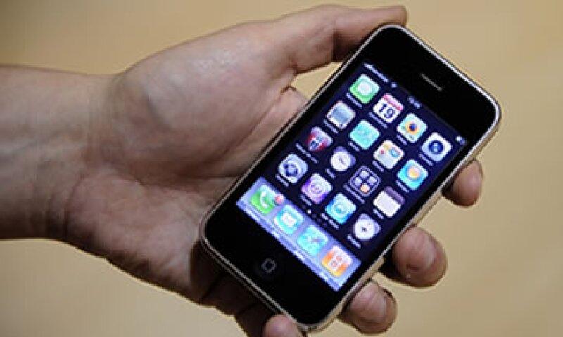 Office Mobile para iPhone está disponible de manera gratuita a partir de este viernes. (Foto: AP)