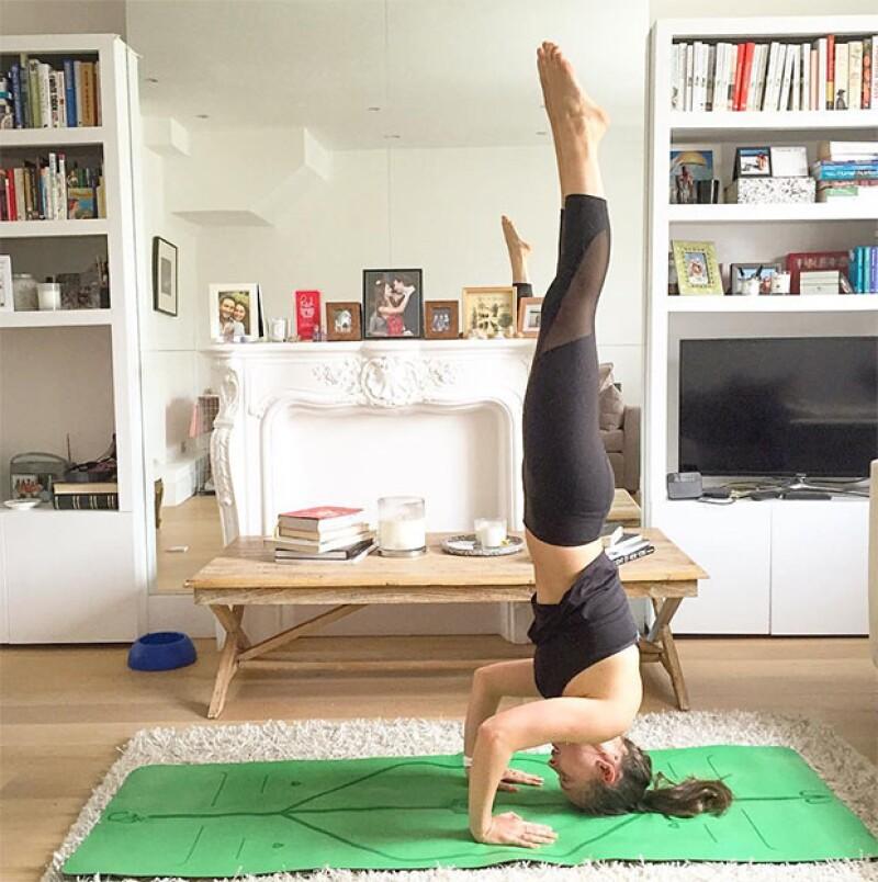 Diferentes ejercicios de yoga