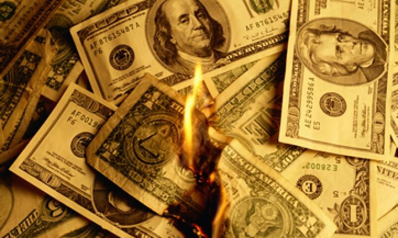 La ironía es que aunque los recortes al gasto reducirán el déficit, no van a hacer nada por evitar que la deuda del país crezca. (Foto: Getty Images)