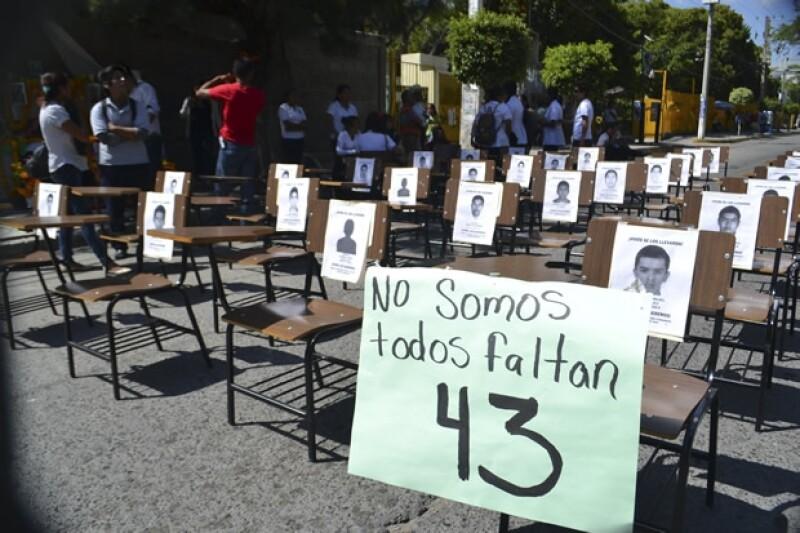 La desaparición de 43 estudiantes de la normal rural ha puesto al gobierno de Enrique Peña Nieto frente a la peor crisis en derechos humanos del país. ¿Qué es lo que duele e indigna del caso?