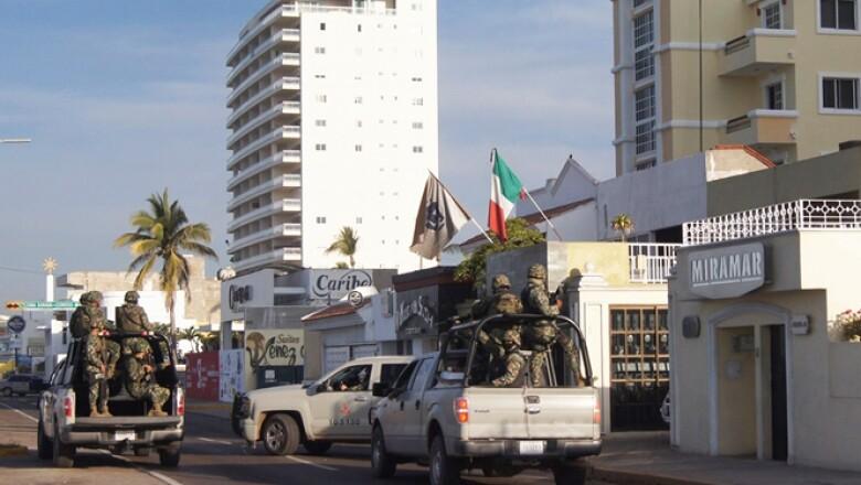 Durante el operativo no se realizó un solo disparo, según el titular de la PGR, Murillo Karam.
