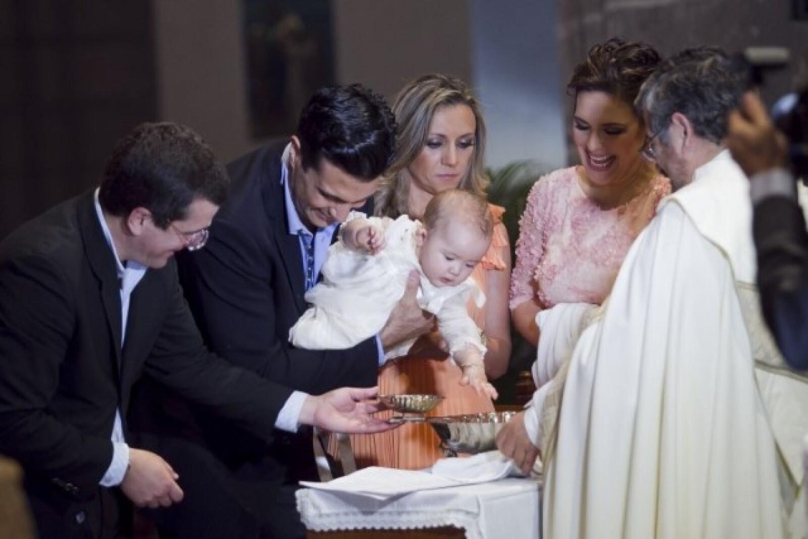 Jaime Camil fue el padrino de la pequeña.