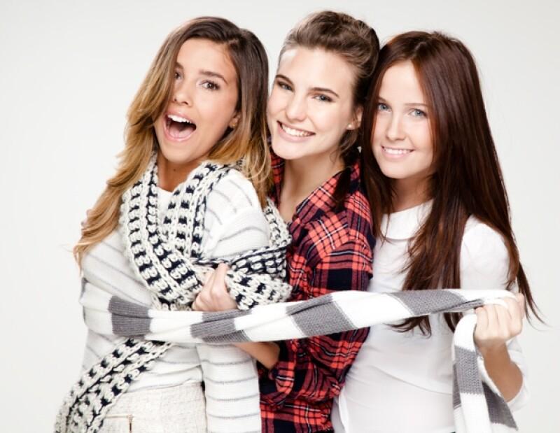 Las niñas de EME 15 celebran Navidad con Quién.com