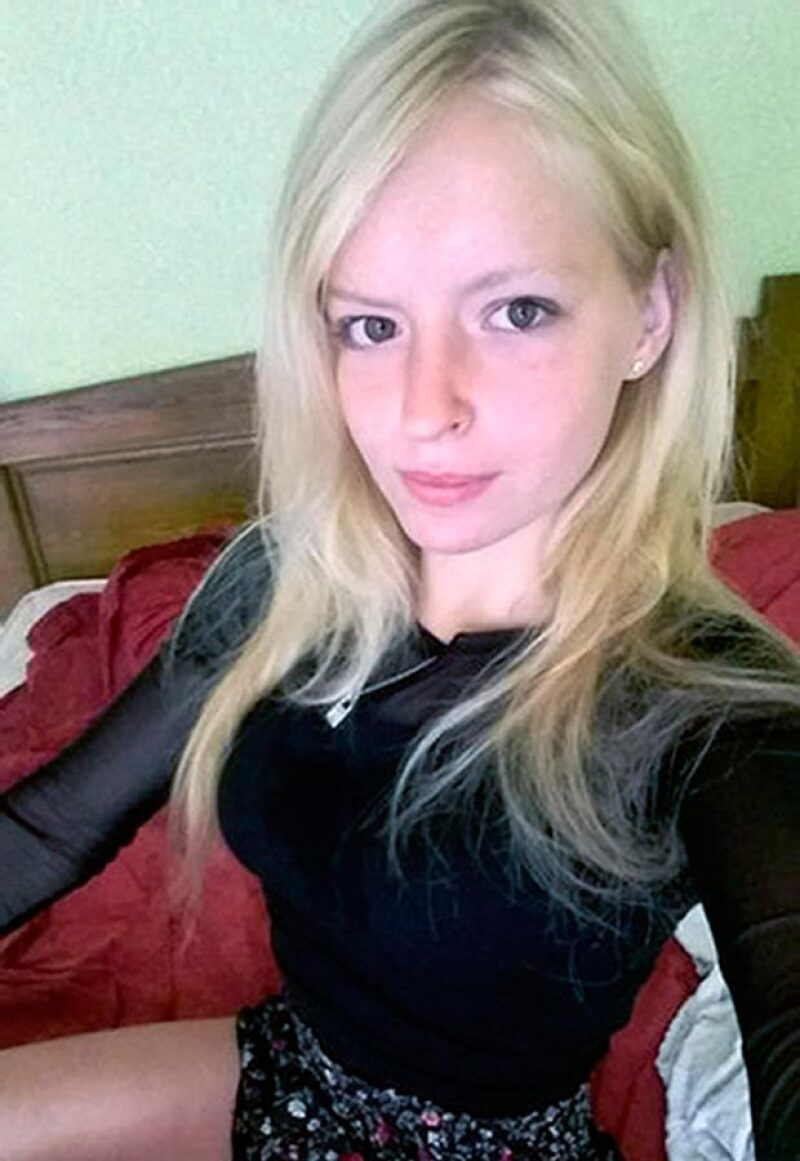 Era modelo de desnudos y su belleza causó la envidia de su hermana.