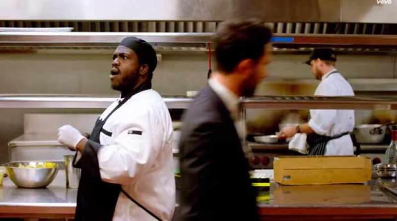 Hasta el personal de la cocina quedó impactado con la aparición de Maroon 5.