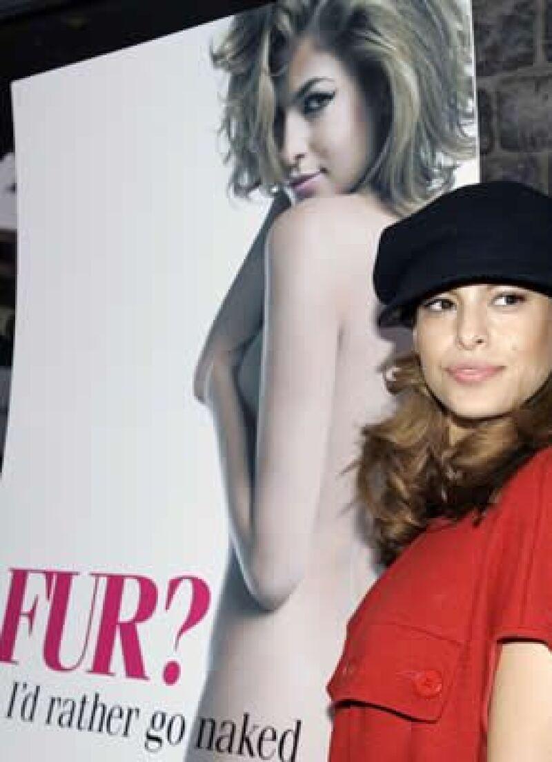 La actriz quiere volver a posar para la organización PETA, a favor del buen trato a animales.