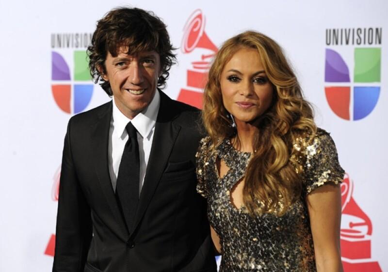 El empresario español concedió una entrevista a CNN en Español, donde aseguró que se separó enamorado de la cantante, ahora le pide una parte del dinero que ganaron juntos.