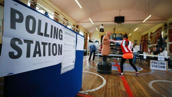 Inglaterra vota para salir de la Unión Europea cuando el Partido Laborista y el Partido Conservador hicieron campaña para mantenerse en la unión.
