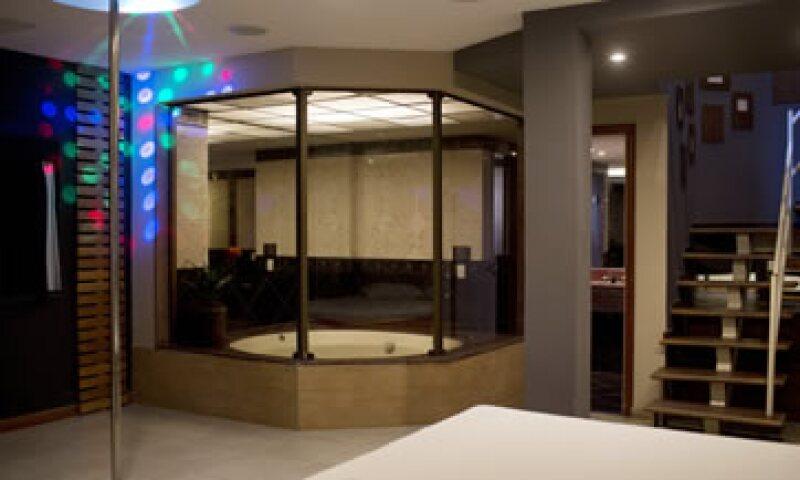 Transformar las habitaciones de los moteles cuesta entre 15,000 y 25,000 dólares por unidad. (Foto: AP)