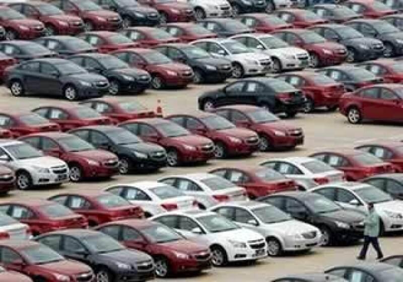 Las concesionarias son un lastre que dificulta a empresas como GM registrar ganancias. (Foto: AP)