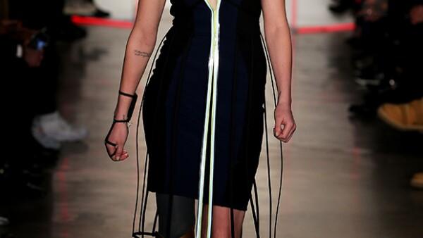 Lauren Wasser, quien perdió la pierna derecha por el síndrome de shock tóxico producido, en raros casos, por el uso de tampones, desfiló este fin de semana para la marca Chromat.