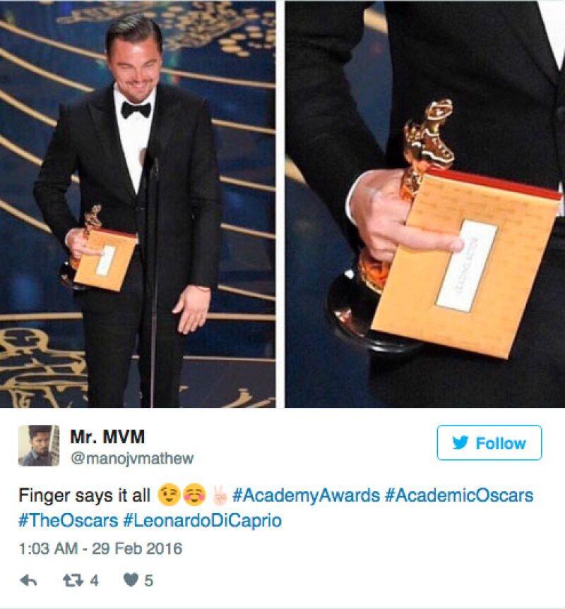 Estos fueron algunos de los tuits que destacaron el dedo medio de Leo DiCaprio: El dedo medio lo dice todo, escribió un usuario en este tuit.