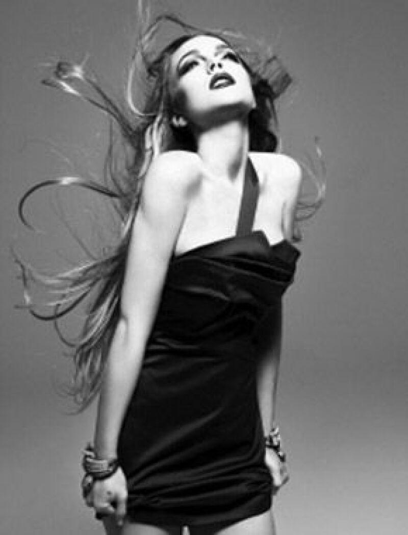 Lindsay fue fotografiada con diferentes Little black dresses.