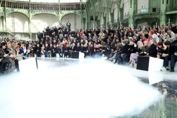 Chanel : Front Row - Paris Fashion Week Womenswear Fall/Winter 2020/2021