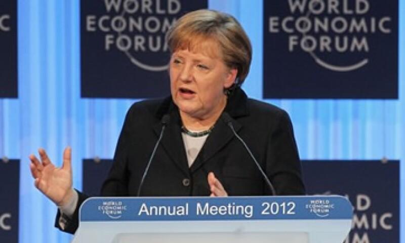 Angela Merkel, canciller alemana, pidió que los países incorporen topes de deuda en sus constituciones. (Foto: AP)