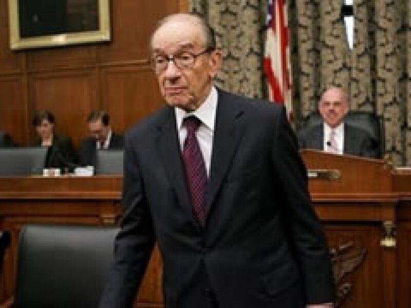 Greenspan dijo que la estatización de bancos puede ser una medida temporal para corregir la crisis.  (Foto: Archivo)