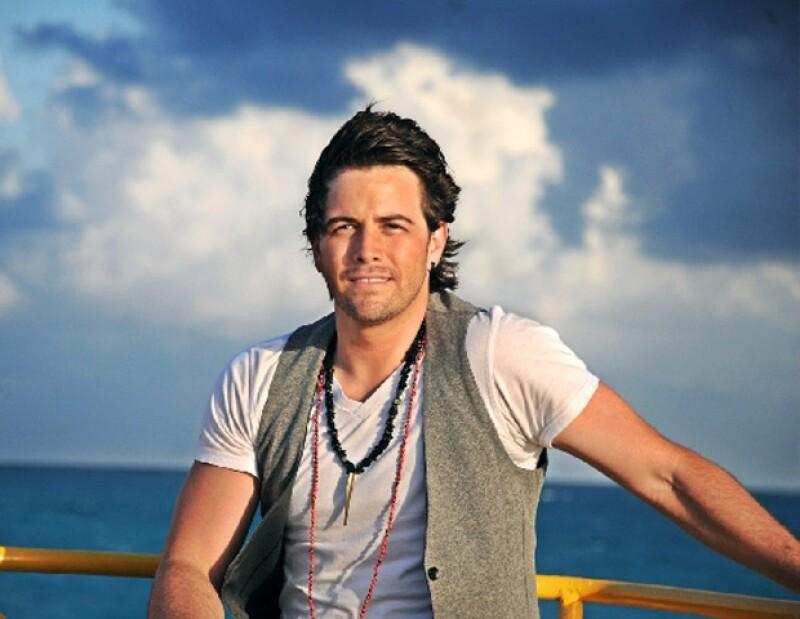 El cantante mexicano compartió su gusto por los temas del intérprete español.