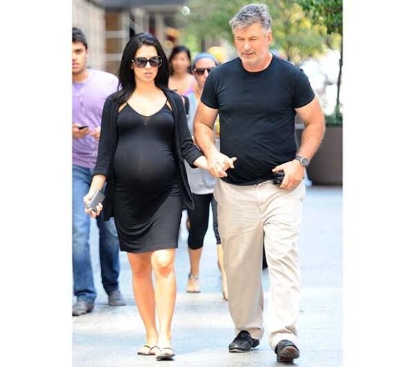 Ya nació la bebé de Alec Baldwin e Hilaria Thomas, se llama Carmen Gabriela.