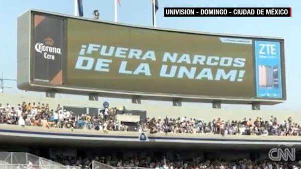 """""""¡Fuera narcos de la UNAM!"""" es el mensaje que siguió a la violencia en CU"""